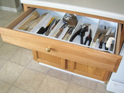 AFTER Kitchen Drawer Organize