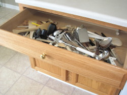 BEFORE Kitchen Drawer Organize